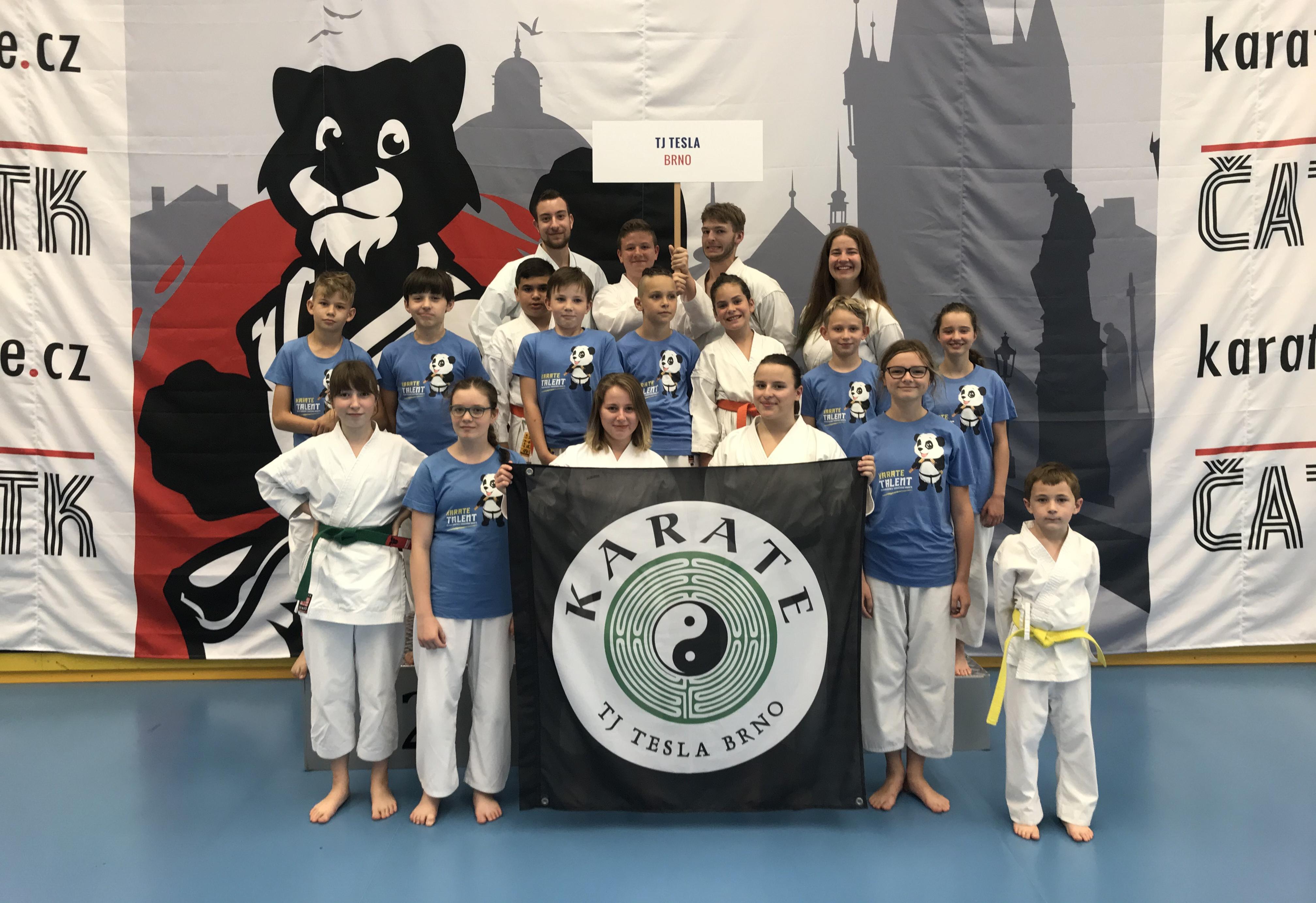 Mistrovství České republiky v tradičním karate ČATK. Praha 2019. Tesla získala 15 medailí.